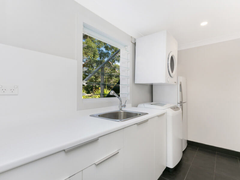 Loftus Bundeena Accommodation - Laundry