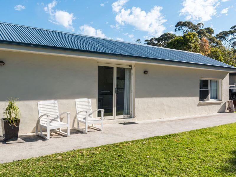 accommodation for large family in Bundeena