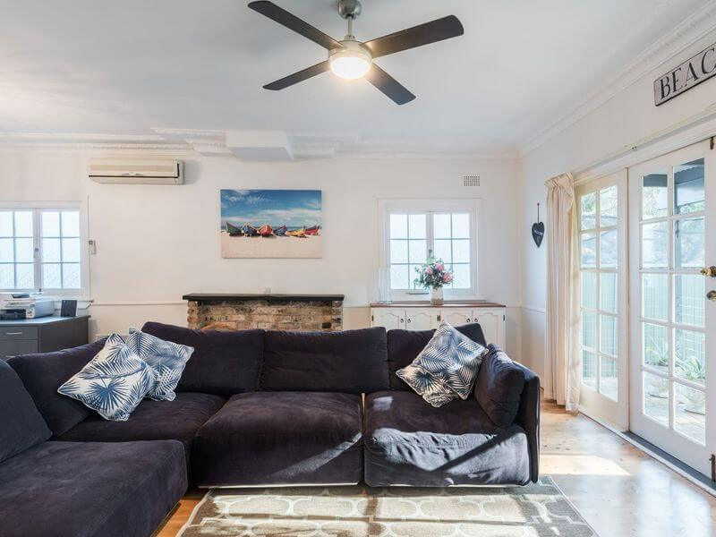air bnb accommodation for a large family in Bundeena